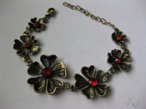 Flower Vintage Charm Bracelet